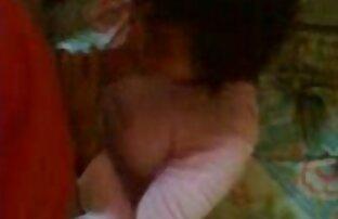 Asstraffic brunette xx vidéo gratuit est penchée et baisée dans le cul