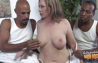 Rousse se voir les video porno fait bombarder l'entrejambe par une énorme bite